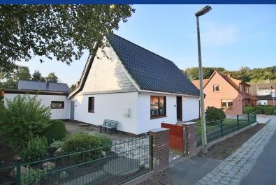 BRUNE IMMOBILIEN - Bremerhaven-Surheide: Städtisch in Naturnähe